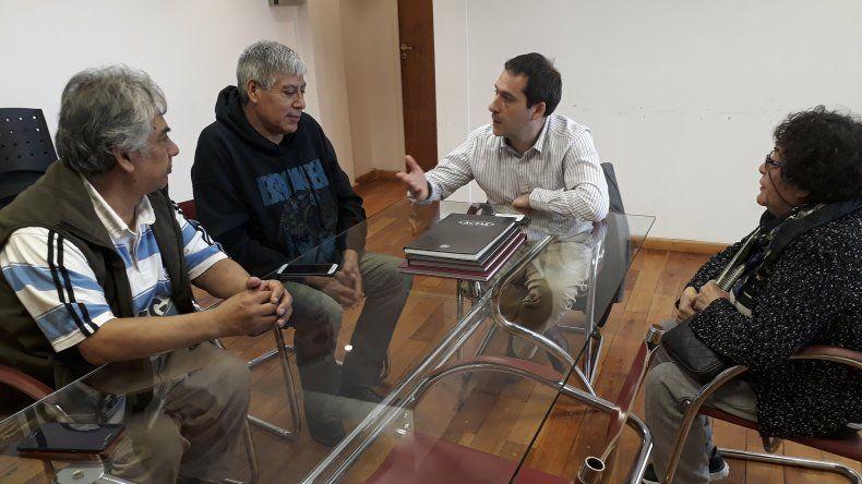 La reunión que Luque mantuvo con los dirigentes barriales de Laprida.