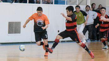 La definición del torneo Clausura de futsal continuará mañana en el gimnasio municipal 1.