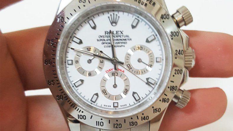 Le roban a un coleccionista un grupo de relojes valuado en 4 millones de pesos