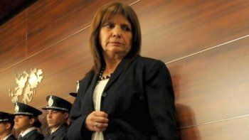 bullrich apunto contra los movimientos sociales y los ligo al narcotrafico