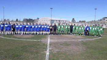 Los equipos de Jorge Newbery y Petroquímica de la categoría Maxi Master.
