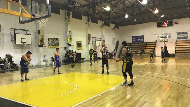 Náutico Rada Tilly le ganó a la CAI y se prende en la punta del torneo Clausura de básquetbol.
