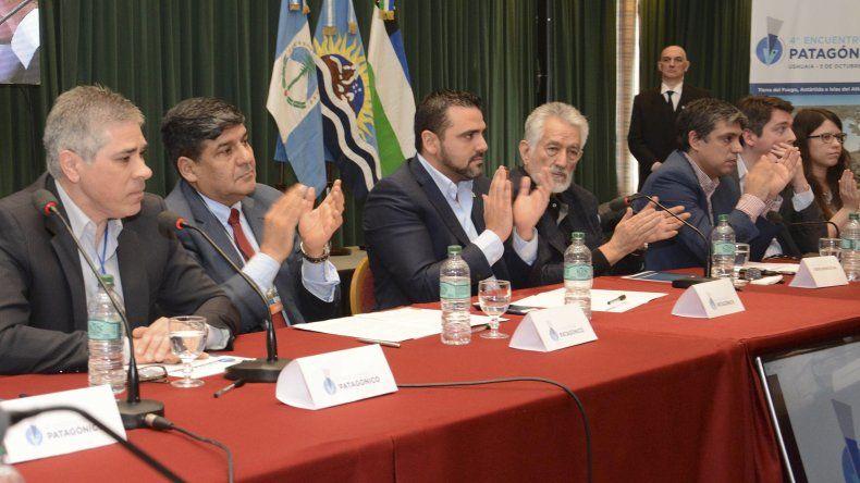 Pablo González instó a rechazar el presupuesto diseñado en Wall Street