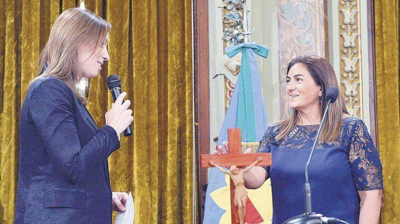 La contadora Inza cuando fue puesta en funciones por la gobernadora Vidal.