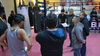 omar narvaez evalua boxeadores de cara a los nacionales evita