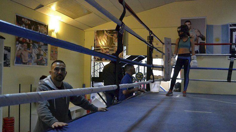El ex campeón mundial Omar Narváez se sumó al equipo de boxeo de Chubut.