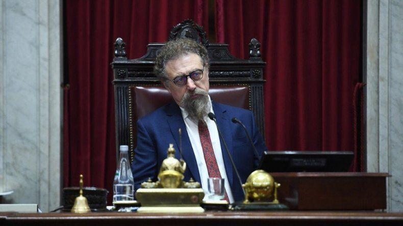 Luenzo interpeló al ministro Dietrich