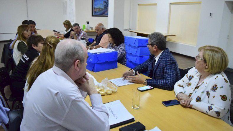 En el Concejo continúan analizando los pedidos para nuevas licencias de taxis.