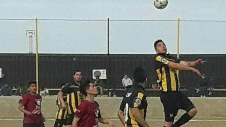 Rada Tllly viene de vencer 2-0 a Deportivo Portugués y saltó a la punta en el torneo Final B.