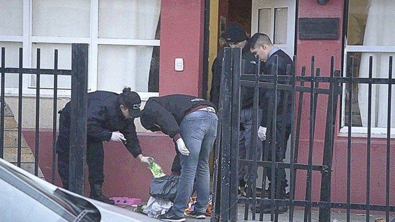 Además de inspeccionar el sitio donde fue hallado el joven agredido