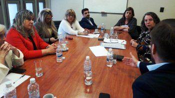 La reunión que la ministra Saunders mantuvo ayer con diputados provinciales.