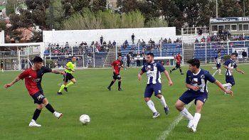 Foto crédito: www.futbolcomodorense.com.ar