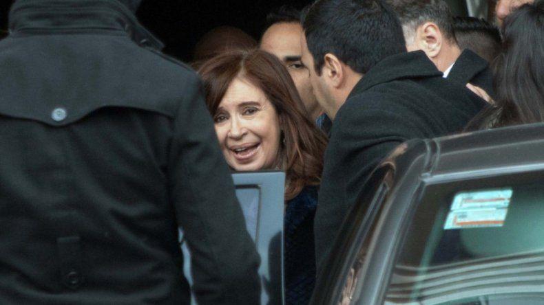 Cristina ya empata a Macri y crece el pesimismo sobre el futuro
