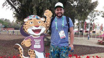 maximiliano aguila: el voluntario  que guia en los juegos olimpicos
