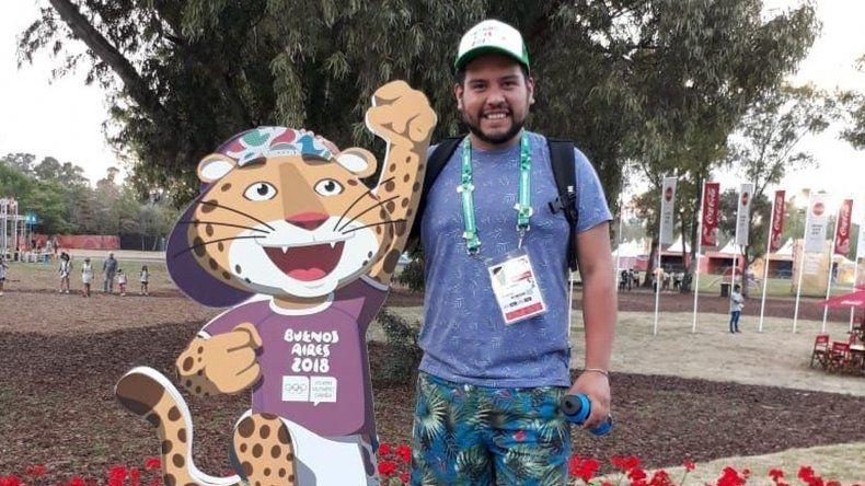 Maximiliano Aguila: el voluntario  que guía en los Juegos Olímpicos de la Juventud