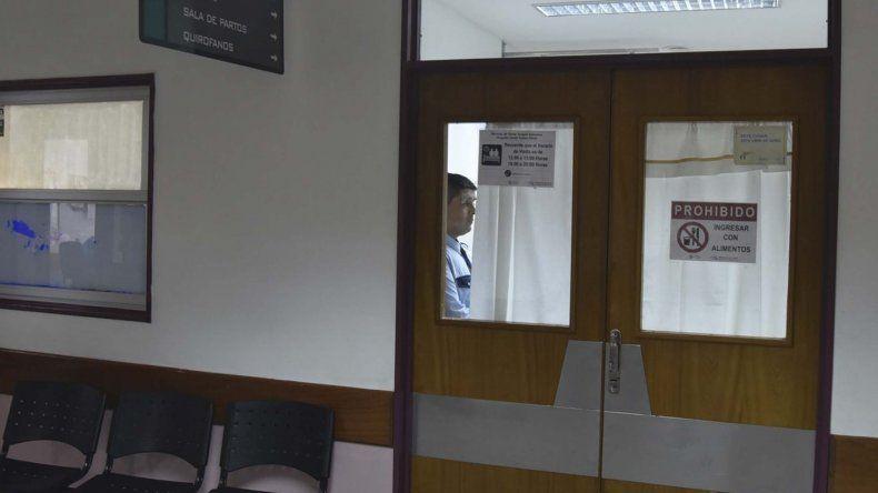 El acceso a las salas de Unidad de Terapia Intensiva no tiene restricciones durante el horario de visita.
