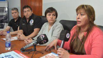 Referentes del gremio petrolero y enfermeras del Hospital y del CIC del barrio Gregores informaron que la campaña de vacunación se centralizará hoy en el cámping ubicado en la zona costanera.