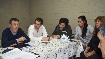 Luque encabezó la reunión del martes con dirigentes vecinales de Los Bretes.