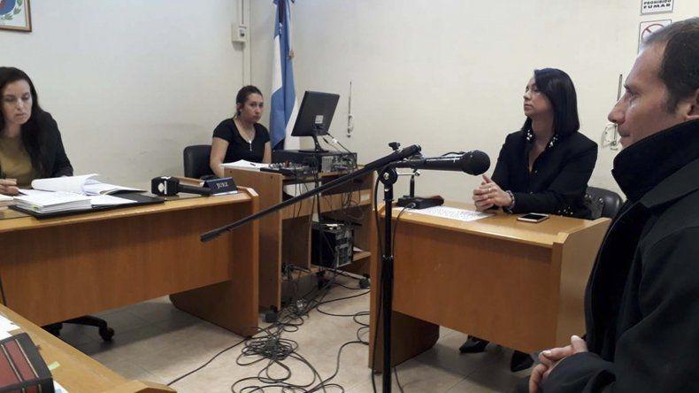 Alfredo Aued al comparecer ayer en la Oficina Judicial de Comodoro Rivadavia.