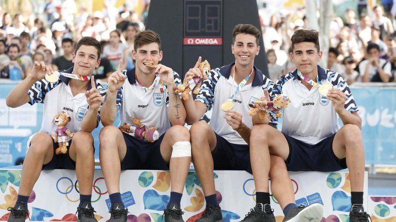 Sonrisa dorada para los chicos de la selección argentina de básquet 3x3.