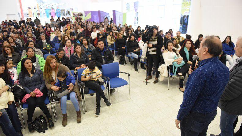 Linares: este año entregamos más de 30 millones de pesos a cooperadoras y bibliotecas populares