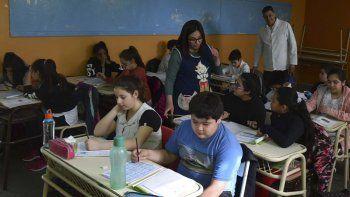 En Caleta Olivia fueron evaluados alumnos de sexto grado que asisten en 19 escuelas públicas y privadas. En la foto, una de las aulas de la Escuela N° 69.