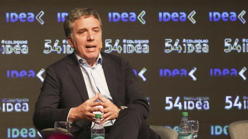 El ministro de Economía se refirió al pronóstico poco alentador del FMI sobre la Argentina y señaló: espero que las proyecciones del Fondo no tengan razón.