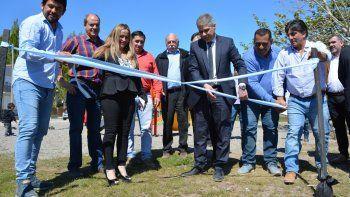 Los actos fueron presididos por el vicegobernador Pablo González y la presidenta de la comisión de fomento Mónica Sánchez. Junto a otros funcionarios y vecinos compartieron inauguraciones de obras y firmas de convenios.