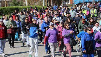 La caminata El Límite lo Pones Vos se llevó a cabo ayer por la mañana y la concentración fue en la Plaza de las Naciones.