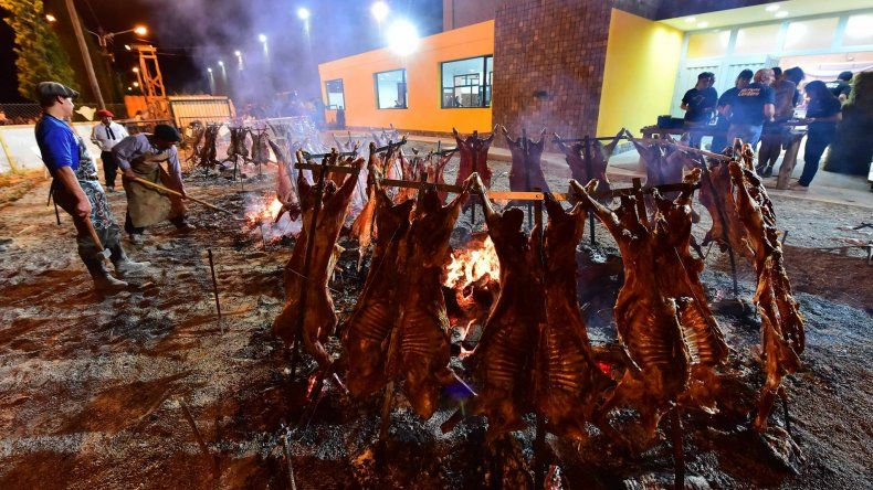 Los Tekis, El Polaco y La Barra en la Fiesta del Cordero