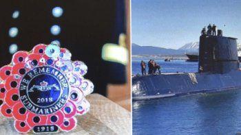 Este año, la asociación se submarinistas británicos diseñó un pin con forma de amapola para honrar a los camaradas de todo el mundo fallecidos a lo largo de la historia y lo dedicó de manera especial a los tripulantes del ARA San Juan.