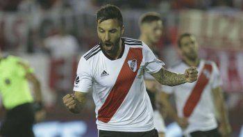 Ignacio Scocco será esta noche uno de los delanteros titulares en la formación de River que recibirá a Gremio de Porto Alegre.