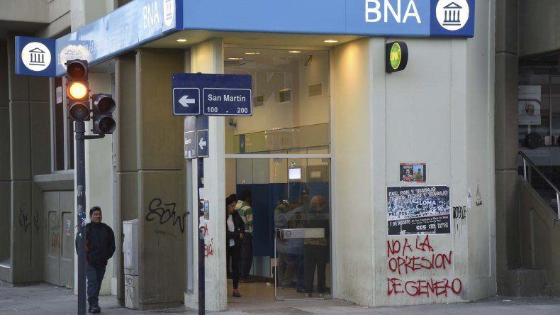 Mañana no habrá clases ni abrirá el Banco Nación