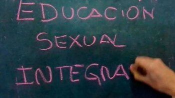 descubren a un docente abusador en una clase de educacion sexual integral