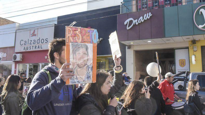 Más de 300 personas se movilizaron para pedir justicia para Brian Gómez.