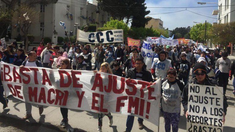 En Comodoro marcharon contra el Presupuesto 2019