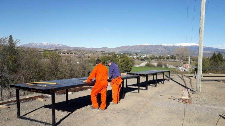 Comenzaron los trabajos para la construcción de las vigas del puente de Caleta Córdova