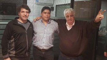 El empresario Alberto Samid -derecha- se reunió en Buenos Aires con el dirigente gremial Claudio Vidal y el productor rural santacruceño Javier Berazalucen.