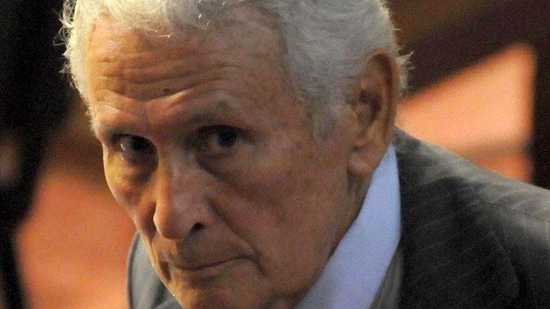 Cuarta prisión perpetua para Miguel Etchecolatz