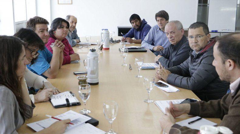 La reunión de funcionarios provinciales con representantes de organizaciones sociales.