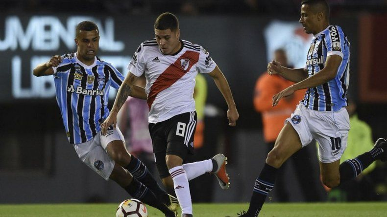 River Plate perdió en el partido de ida por 1-0 ante Gremio y esta noche intentará el triunfo para volverse al país con la clasificación.