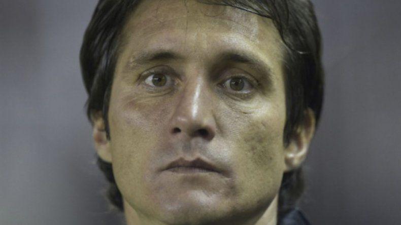 Guillermo Barros Schelotto no tendrá en cuenta para el crucial partido de mañana al colombiano Edwin Cardona.