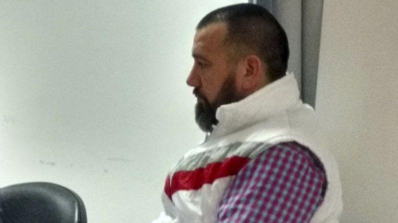Marcos García también se resistió a la detención y agredió a un policía aplicándole un cabezazo.