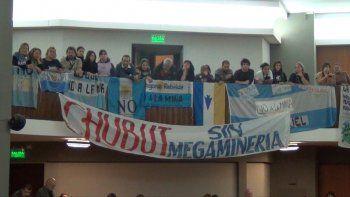 Vigilia en la Legislatura y marcha provincial por el No a la Mina