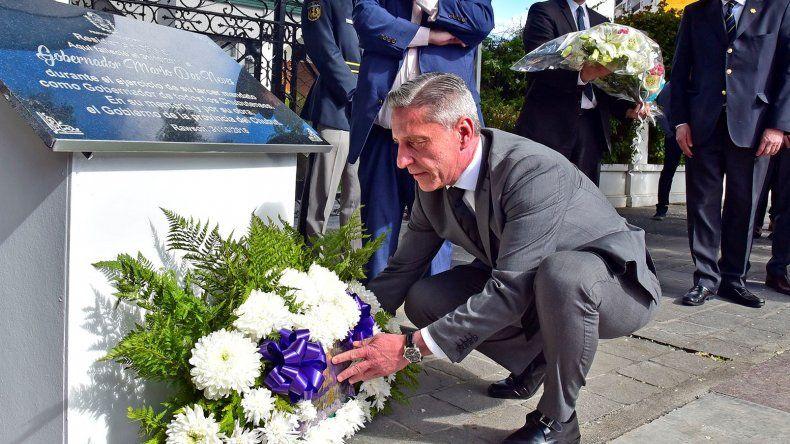 A un año de la muerte de Das Neves, colocaron una placa en su memoria