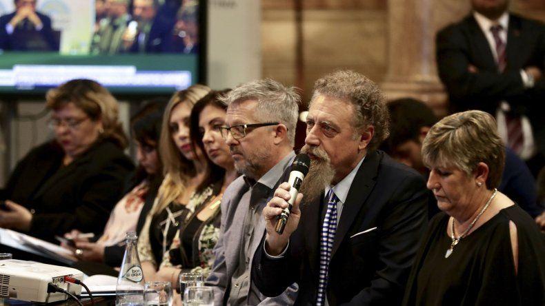 El senador Luenzo también resaltó la crítica situación que se vive en Caleta Olivia