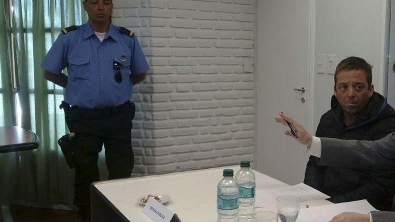 El imputado al comparecer en la audiencia de revisión de la prisión.