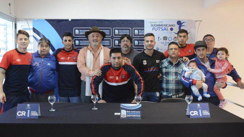 En el edificio de Guardavidas se realizó la presentación del Sudamericano de Clubes de futsal.