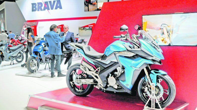 Futuro. Brava fue una de las grandes presentaciones en la muestra de La Rural. La marca mostró cinco modelos que se lanzarán durante el próximo año en el mercado local con diseño deportivo.
