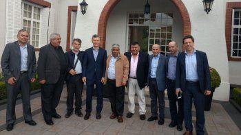 macri pacto con dos gremios petroleros restringir el derecho a huelga